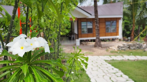 Cangdoki Resort and DIve Camp, Enrique Villanueva