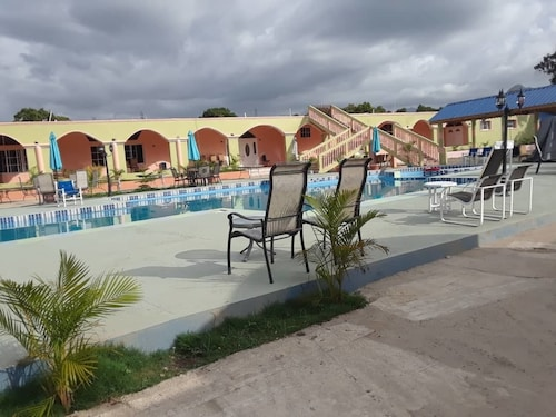 Extravaganza Resort Hotel, le Trou-du-Nord