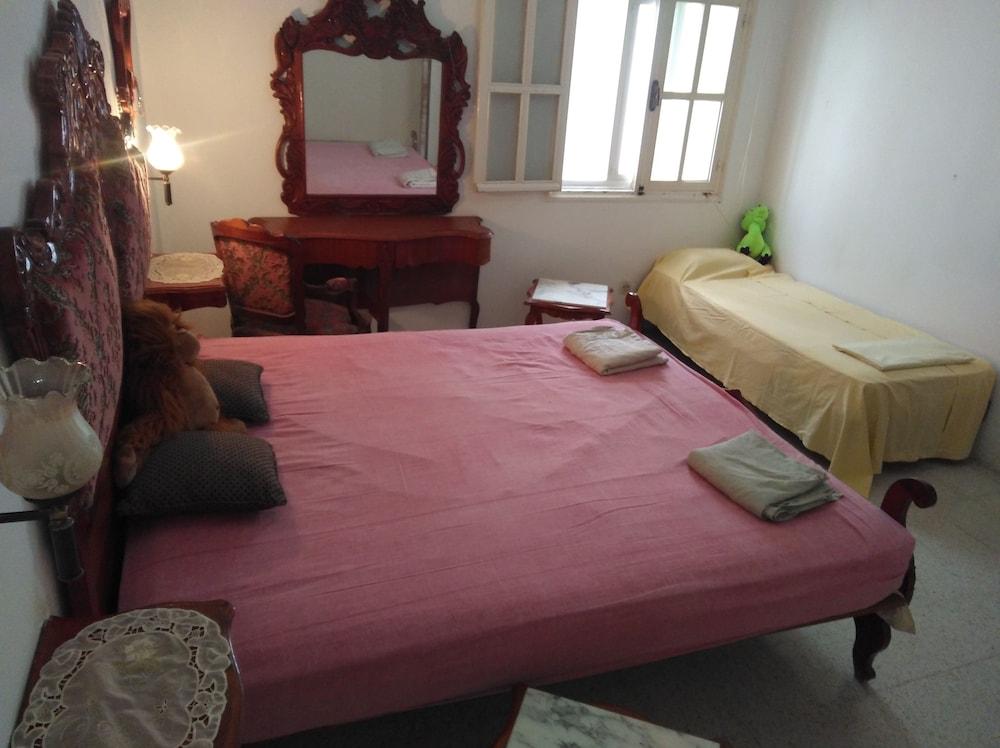 AliWali Room Near Airport Tunis Carthage