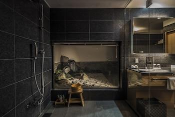 KYOTO SHIJO TAKAKURA HOTEL GRANDEREVERIE Bathroom
