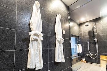 KYOTO SHIJO TAKAKURA HOTEL GRANDEREVERIE Bathroom Amenities