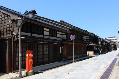 Toyama Takaoka Kanayamachi SamanokoHouse, Takaoka