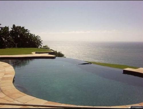 . Luxury Beach Apartments
