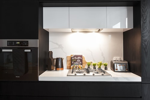 Harvard Apartments by Ready Set Host, Stonnington - Malvern