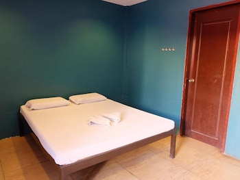 MACTAN GOLDEN MOTEL Room