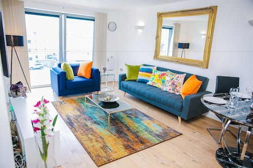 . Riverside 2 Bed Apartment