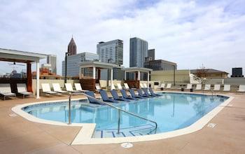 Global Luxury Suites in Downtown Atlanta