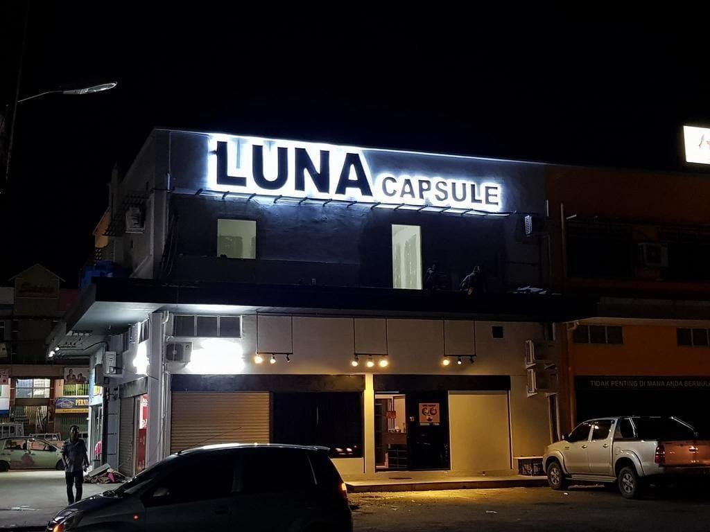 Luna Capsule, Semporna