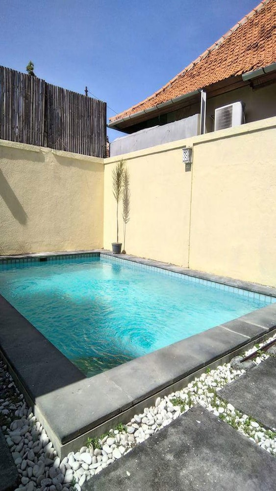 Loven Private Pool Villa Sanur
