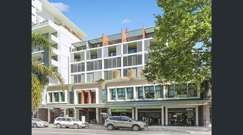 Executive 2 Bedroom Wollongong Apartment, Wollongong - Inner