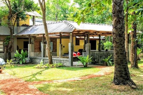 Hiddenside Waya Ulpatha, Palugaswewa
