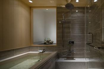 CAMPTON KIYOMIZU Bathroom
