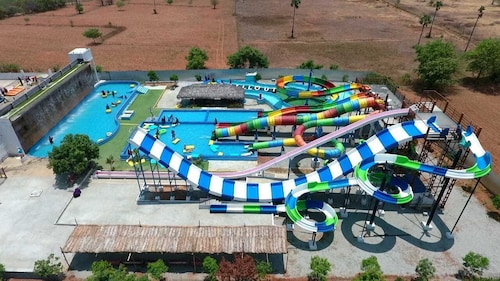 Chill Out Resorts, Erode