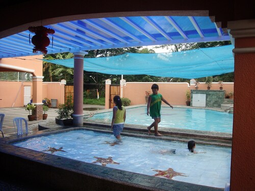 Piscina de Jillen Resort, Calamba City