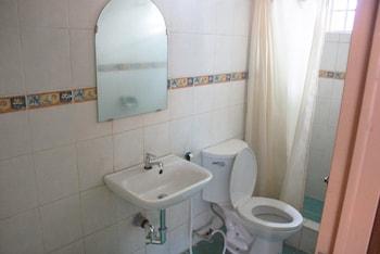 PISCINA DE JILLEN RESORT Bathroom