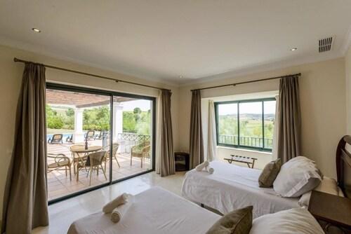 . Arcos Golf Hotel Cortijo y Villas
