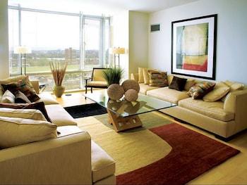 Modern Apartments in University Park photo