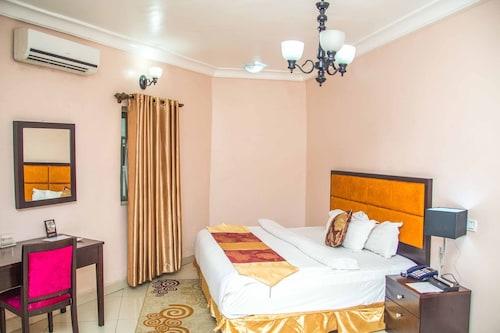 . Royal Crest Hotel & Suites
