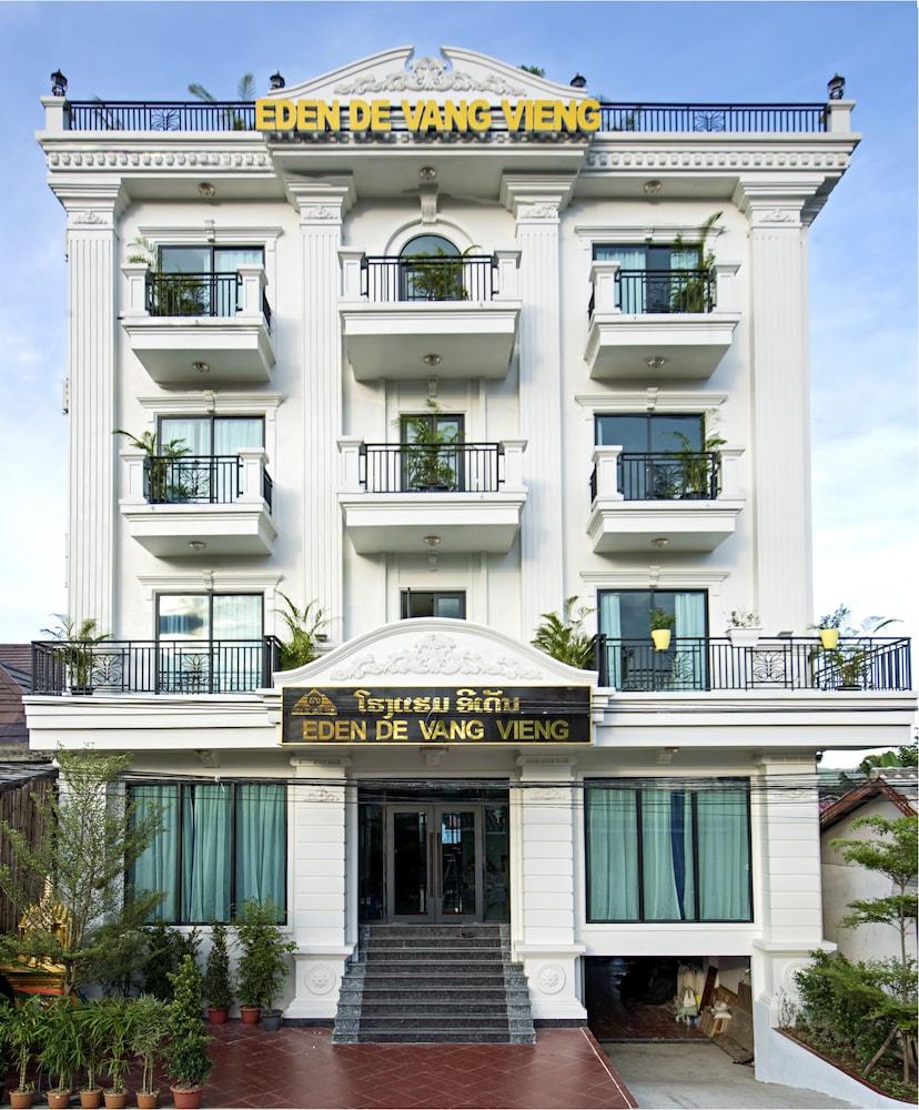 https://i.travelapi.com/hotels/29000000/28940000/28936600/28936517/2bf69928_z.jpg