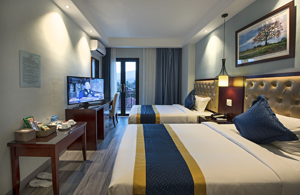 https://i.travelapi.com/hotels/29000000/28940000/28936600/28936517/4a505ecb_z.jpg