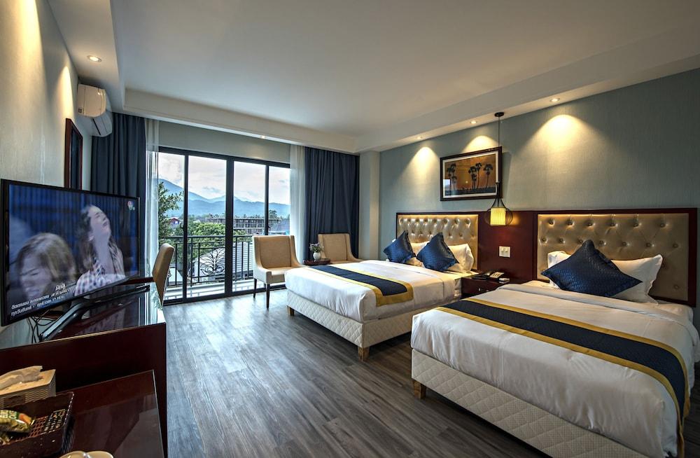 https://i.travelapi.com/hotels/29000000/28940000/28936600/28936517/65962f37_z.jpg