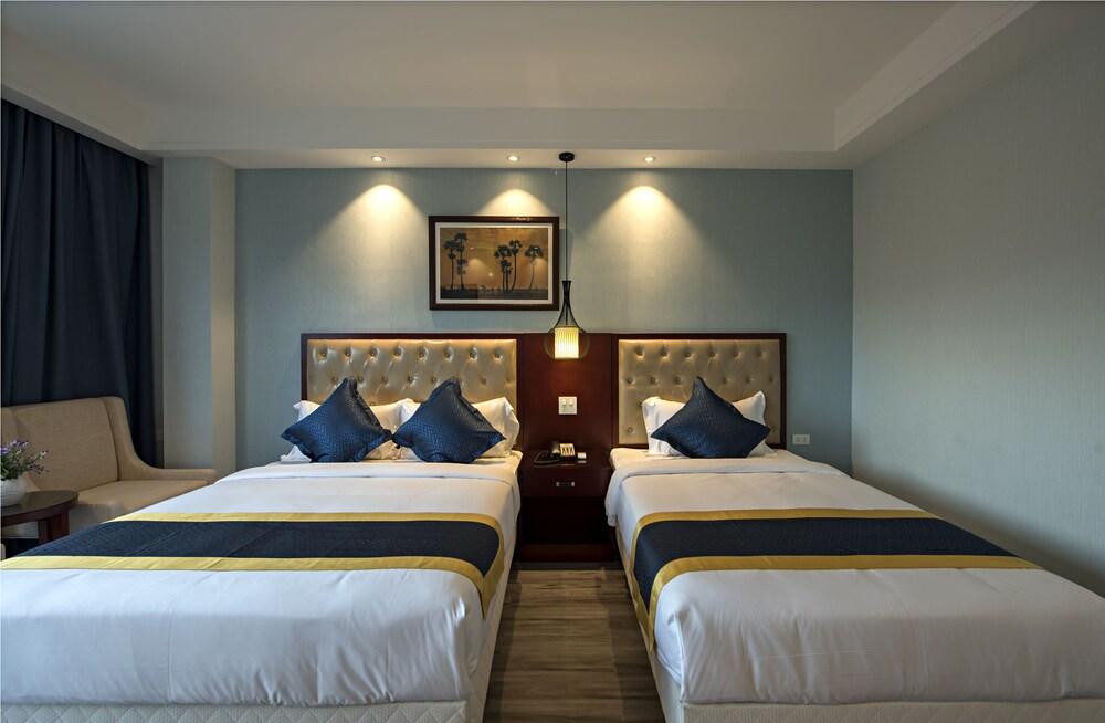 https://i.travelapi.com/hotels/29000000/28940000/28936600/28936517/78fac5a6_z.jpg