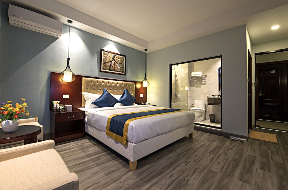 https://i.travelapi.com/hotels/29000000/28940000/28936600/28936517/ce356a62_z.jpg