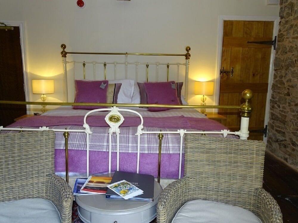 Cann Office Hotel, Powys