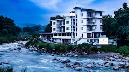 Hotel River Retreat
