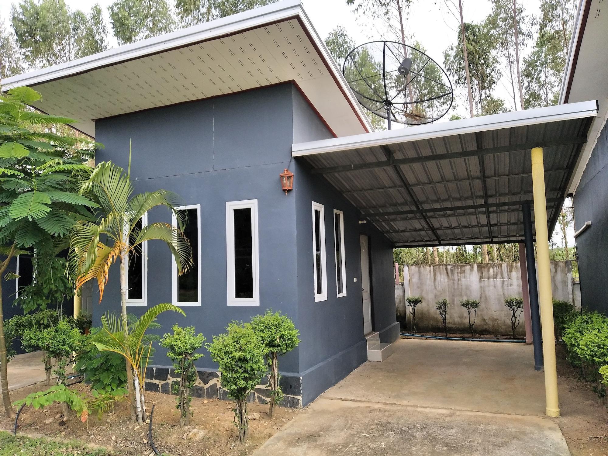 Ban Suan Kaset Resort, Sanam Chaikhet