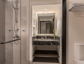 SEDA AYALA CENTER CEBU Bathroom