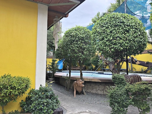 Villa Elena Private Pool Resort, Calamba City
