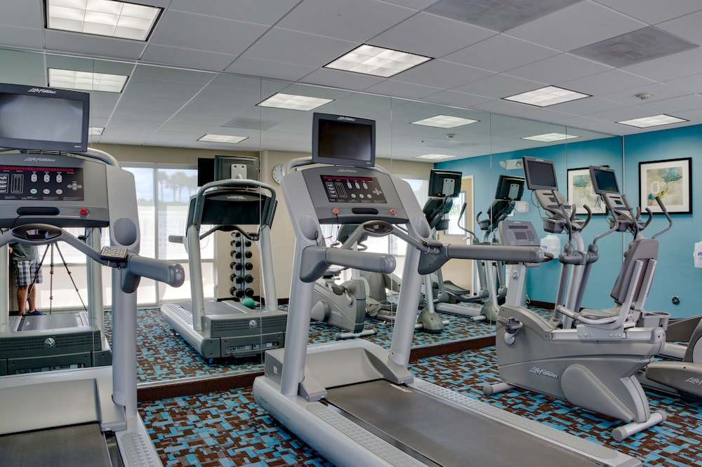Health and Fitness : Fitness Facility 27 of 82