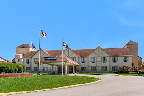 . Eisenhower Hotel & Conference Center