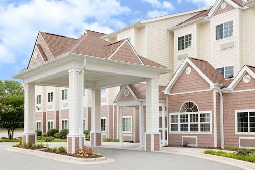 . Microtel Inn & Suites by Wyndham Greenville/University Medic