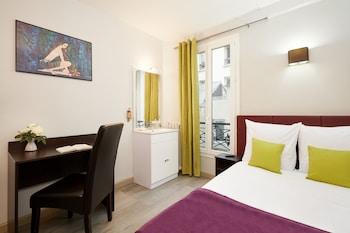 Standard Double Room, Shared Bathroom