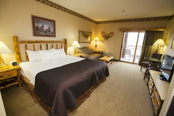 Luxury King Suite - Water Park Included