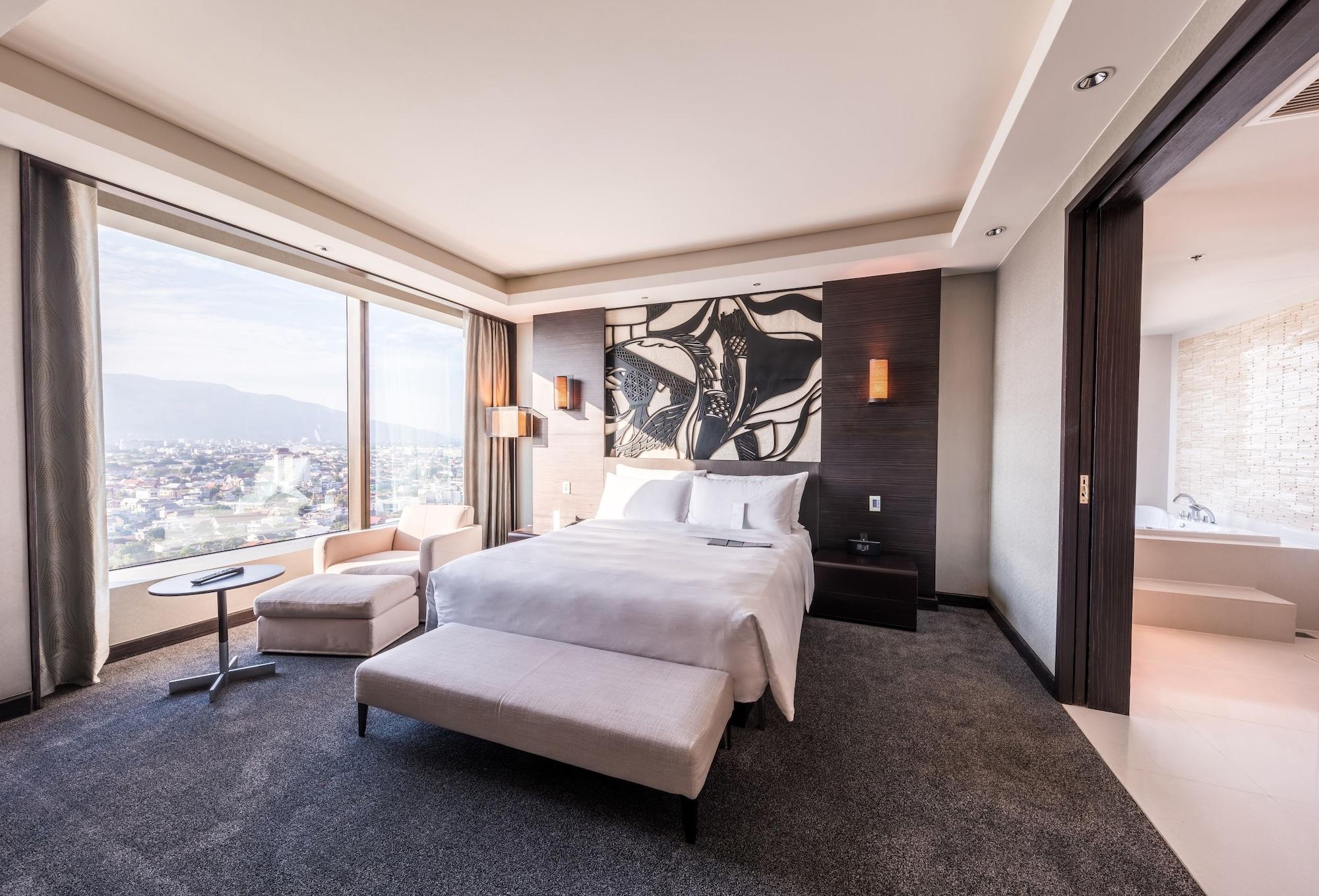 Suite (Diplomatic)