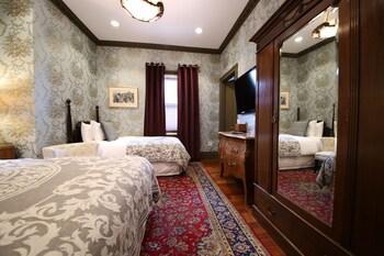 Deluxe Lyon Room