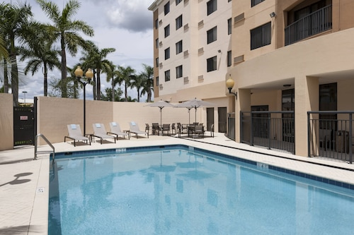 . Courtyard by Marriott Miami at Dolphin Mall