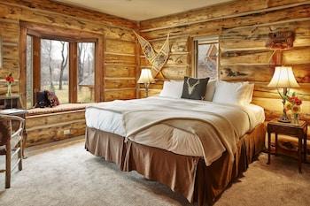 2nd Floor, King Bed