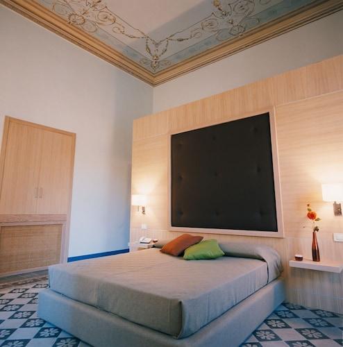 . Vittorio Veneto Hotel