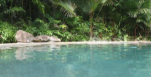 . Daintree Rainforest Retreat