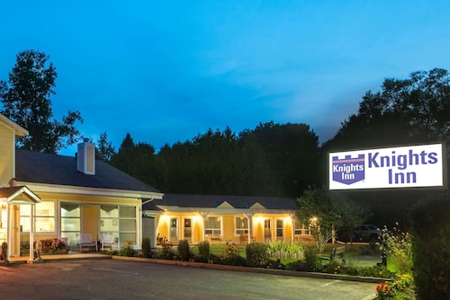 . Knights Inn Bracebridge