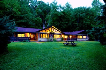 Hotel - Creekwalk Inn and Cabins
