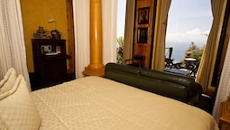 Suite, 1 King Bed (new World)