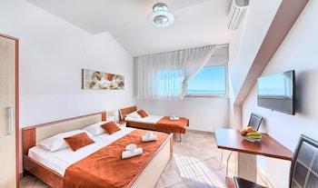 Premium Apartment ,No balcony