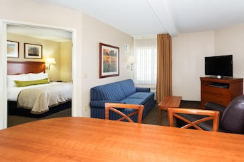 Suite, 1 Bedroom, Accessible (Communication, Accessible Tub)