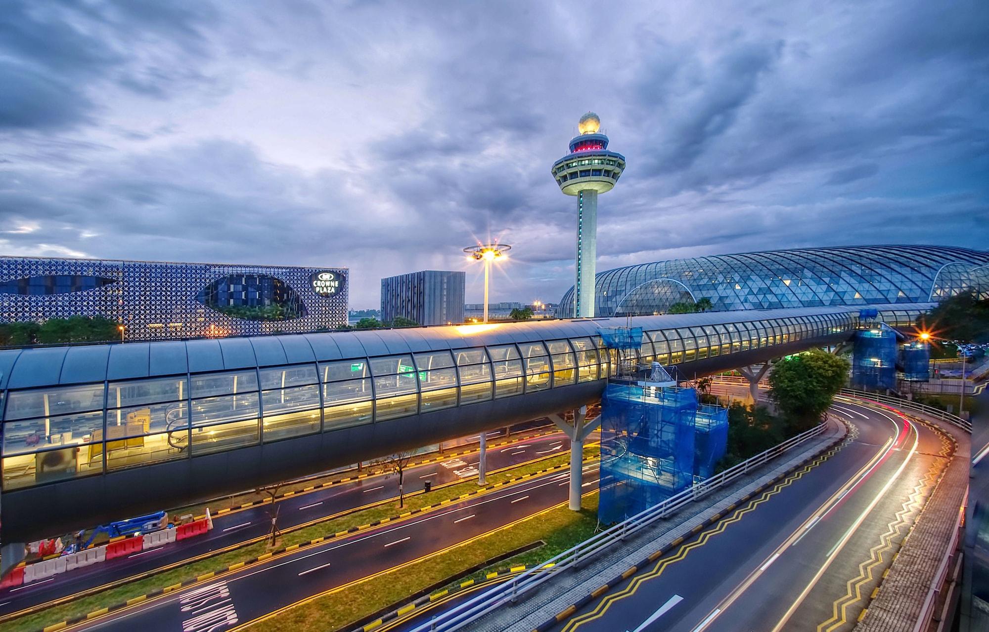 Crowne Plaza Changi Airport, Changi