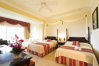 Junior Suite, Jetted Tub, Courtyard Area (Super Saver)